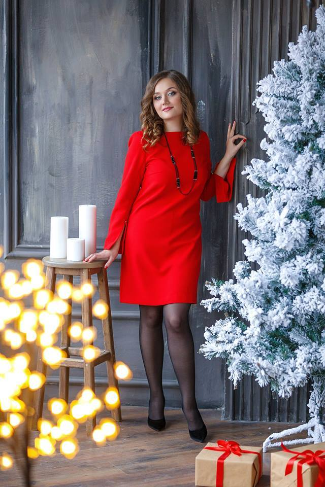 studio-portait-red-dress